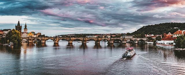 loď na Vltavě.jpg