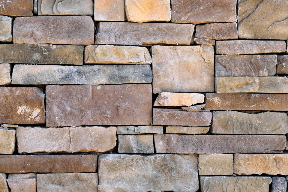 kameny ve zdi